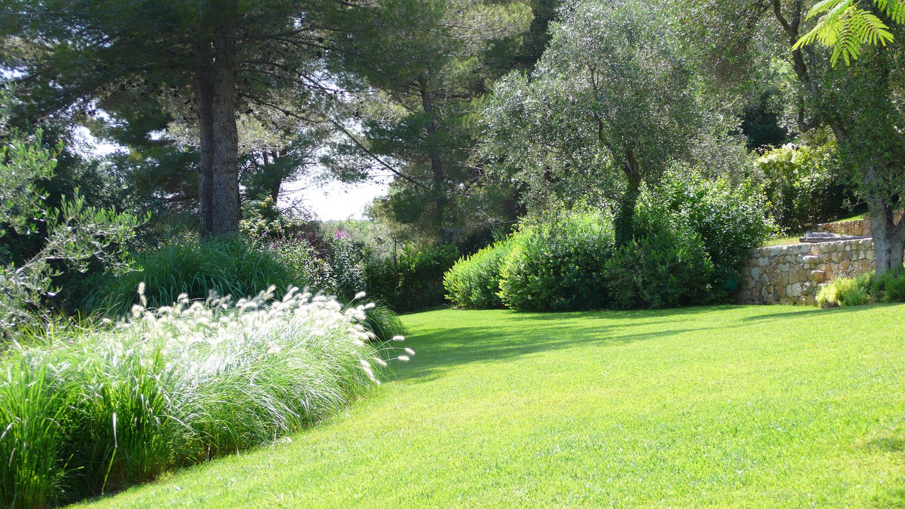 Jardin design luxe paysagiste Parc Saint-Tropez Olivia Bochet