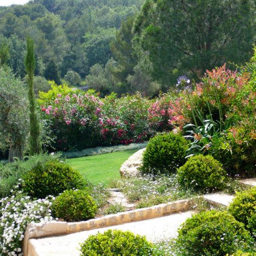 Jardin graphique prestige paysagiste Parc Saint-Tropez Olivia Bochet