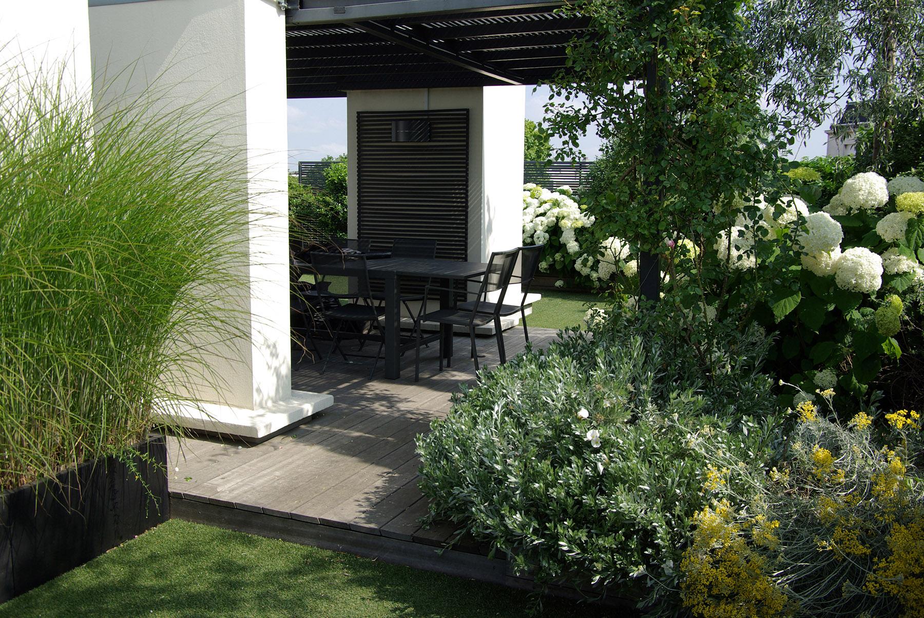 Terrasse design haut de gamme pergola Neuilly Olivia Bochet
